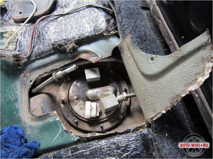 Расположение топливного насоса на инжекторе