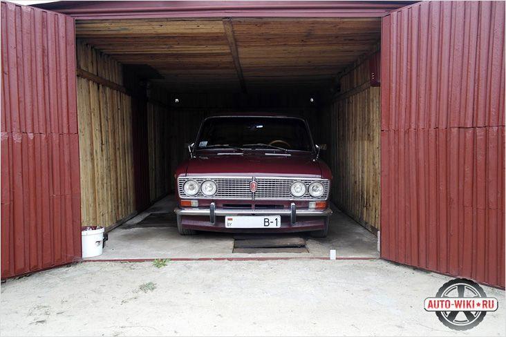 Даже если автомобиль стоит в гараже, аккумулятор разряжается