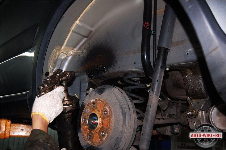 Как обработать подкрылки автомобиля своими руками